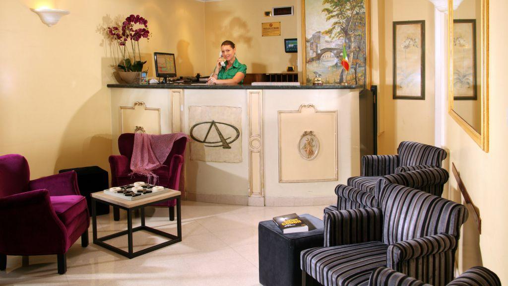 hotel-alessandrino-roma-recepcion-3