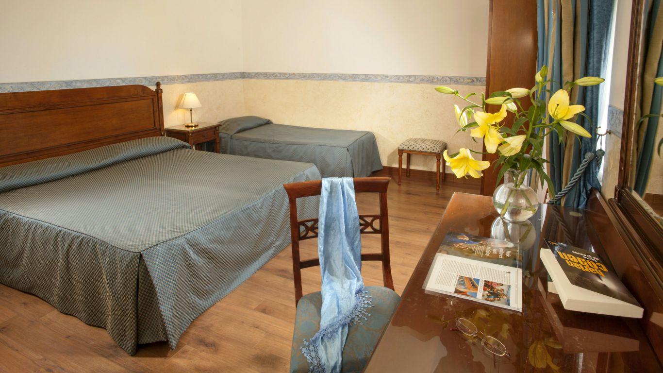 hotel-alessandrino-rome-triple-room-9