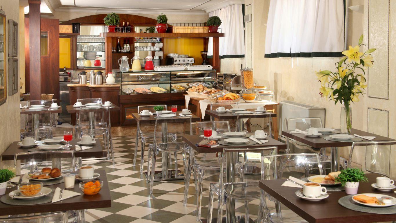 hotel-alessandrino-rom-Fruehstuecksraum-13