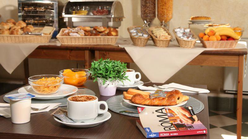 hotel-alessandrino-rome-breaskfast-room-16